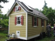 tiny house, Tomas Qulnones via Flickr