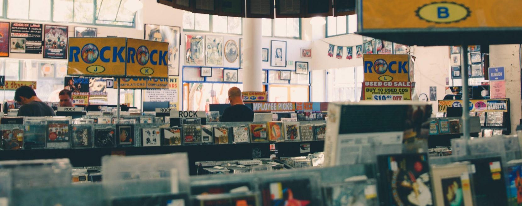 Online kringloopwinkel John's Muziekboetiek