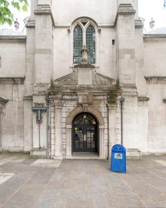 Entrance to St. Clement Danes Chrich