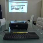 Chromebit + プロジェクターでプレゼン、会議。シンプルなのがイイ!
