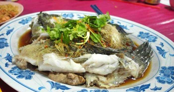 restoran-asli-makanan-laut-mutiara-biru-1