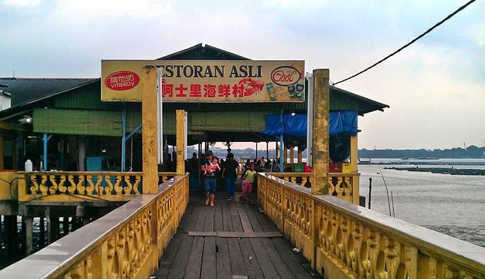 restoran-asli-makanan-laut-mutiara-biru-4