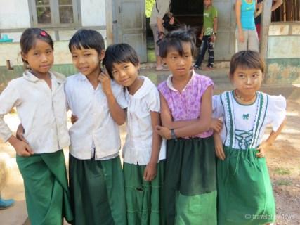 Shan girls