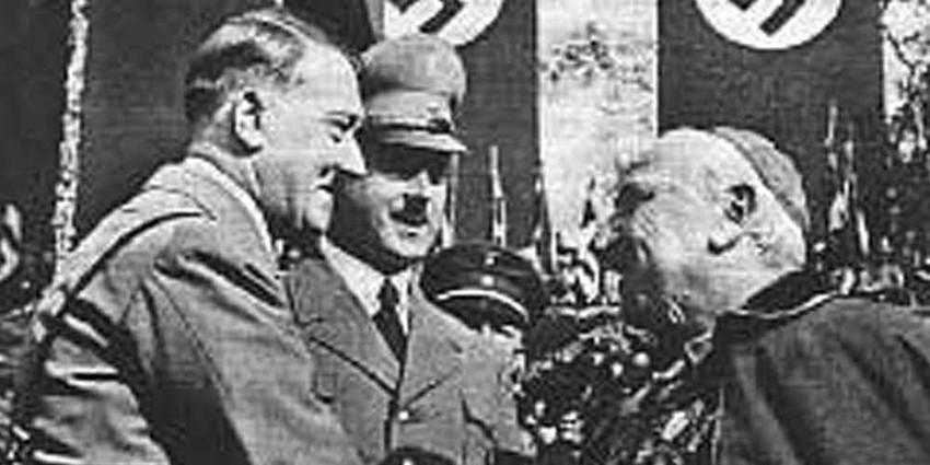 Муссолини вел двойную игру?