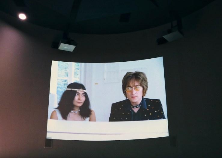 Double Fantasy - 約翰.藍儂(John Lennon)&小野洋子(Yoko Ono)。展覽地點:利物浦博物館(Museum of Liverpool)。