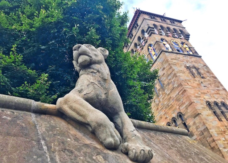Cardiff Animal Wall:卡迪夫城堡外的動物牆