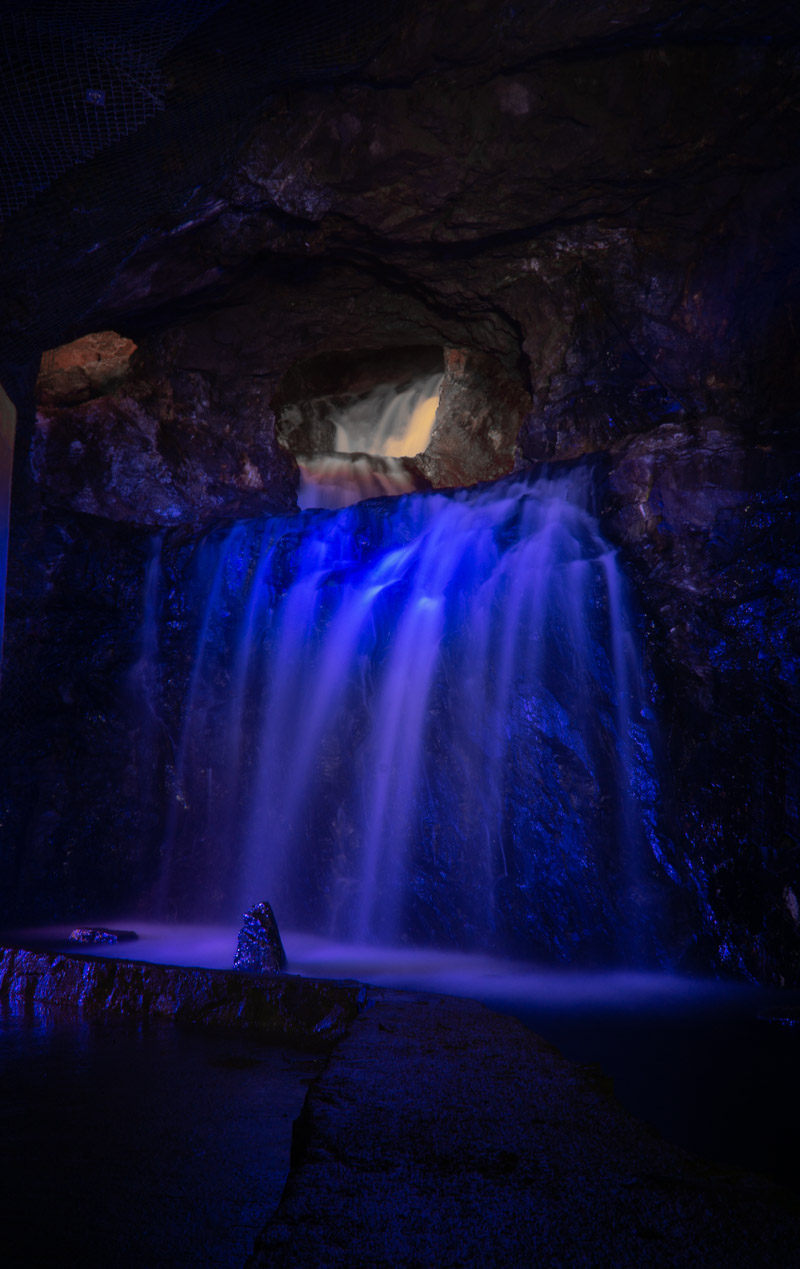 Mu Valley underground waterfall