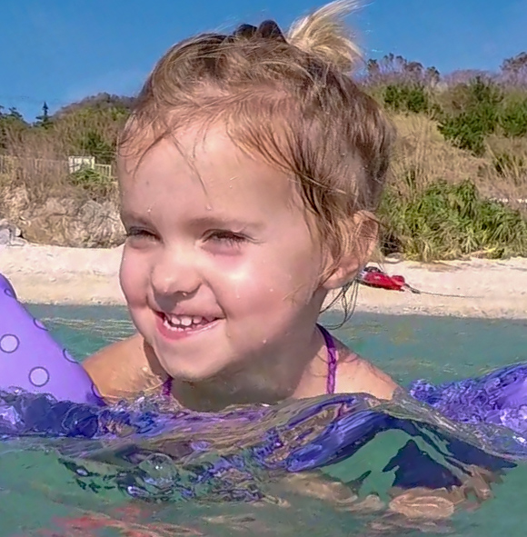 How to Snorkel-girl swimming