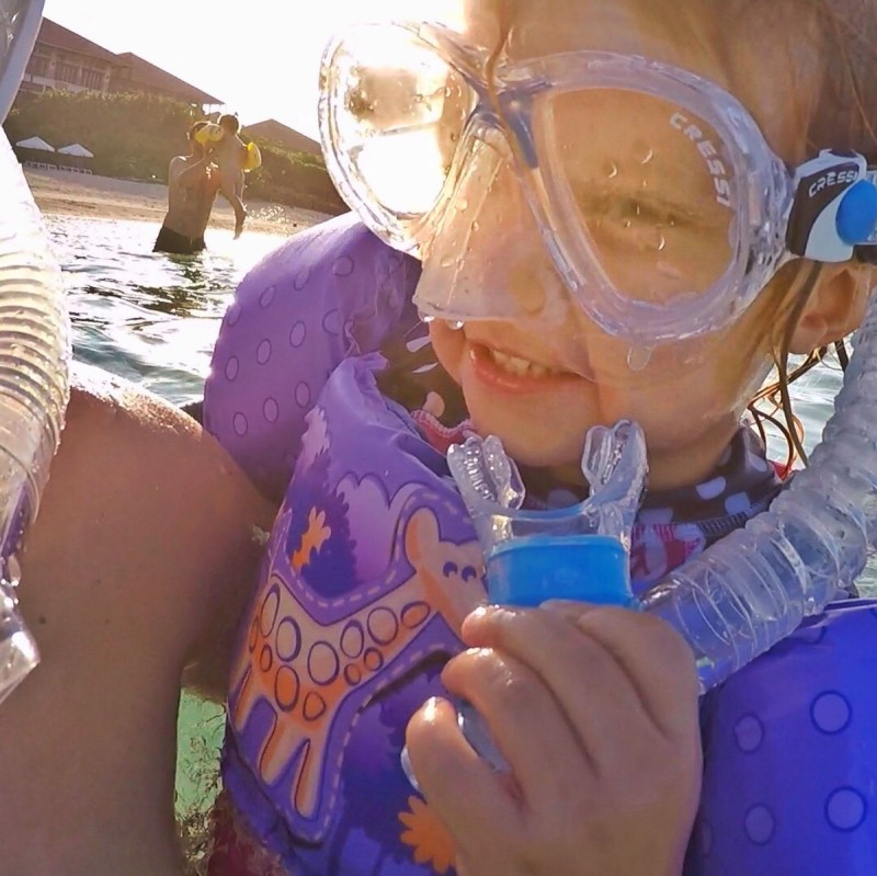 Ishigaki 2 year old girl snorkels