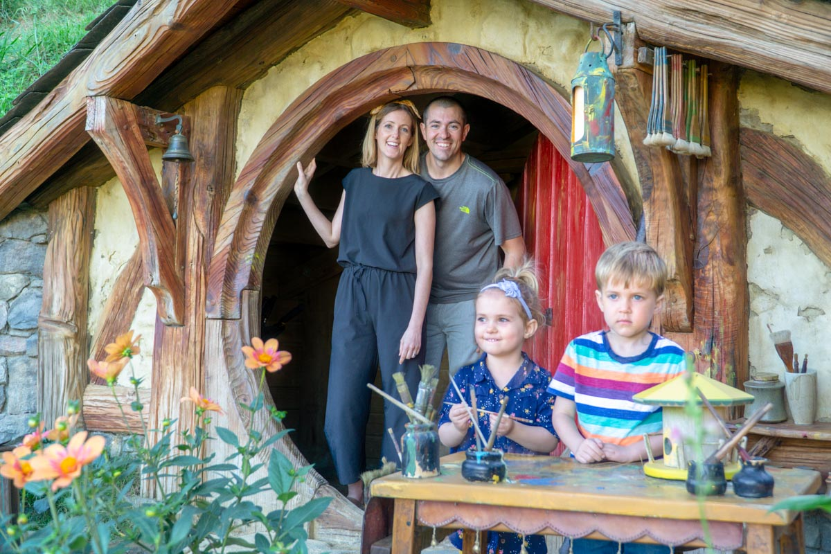Hobbiton family in hobbit hole