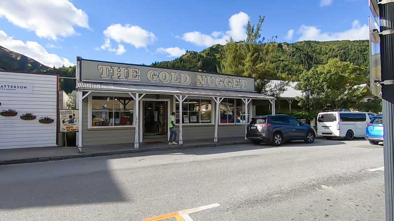 Queenstown-Arrowtown store front