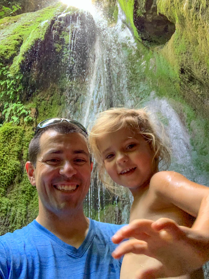 Dad and daughter at Cascate di calabritto