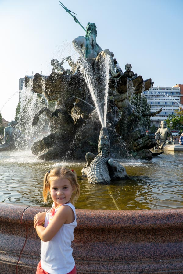 girl at neptunes fountain