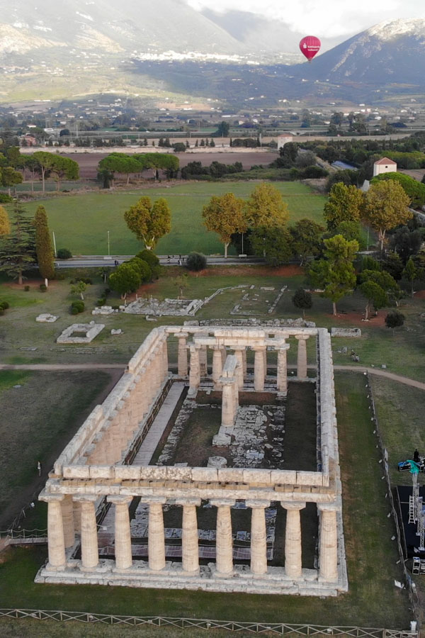 Paestum temple with hotair balloon