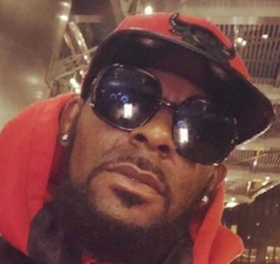 R Kelly's Former Tour Manager Says Kelly Once Offered Him Sex, Has Bisexual Ways+Reportedly Offered To Fly 17 Year Old Boy To See Him [Video]
