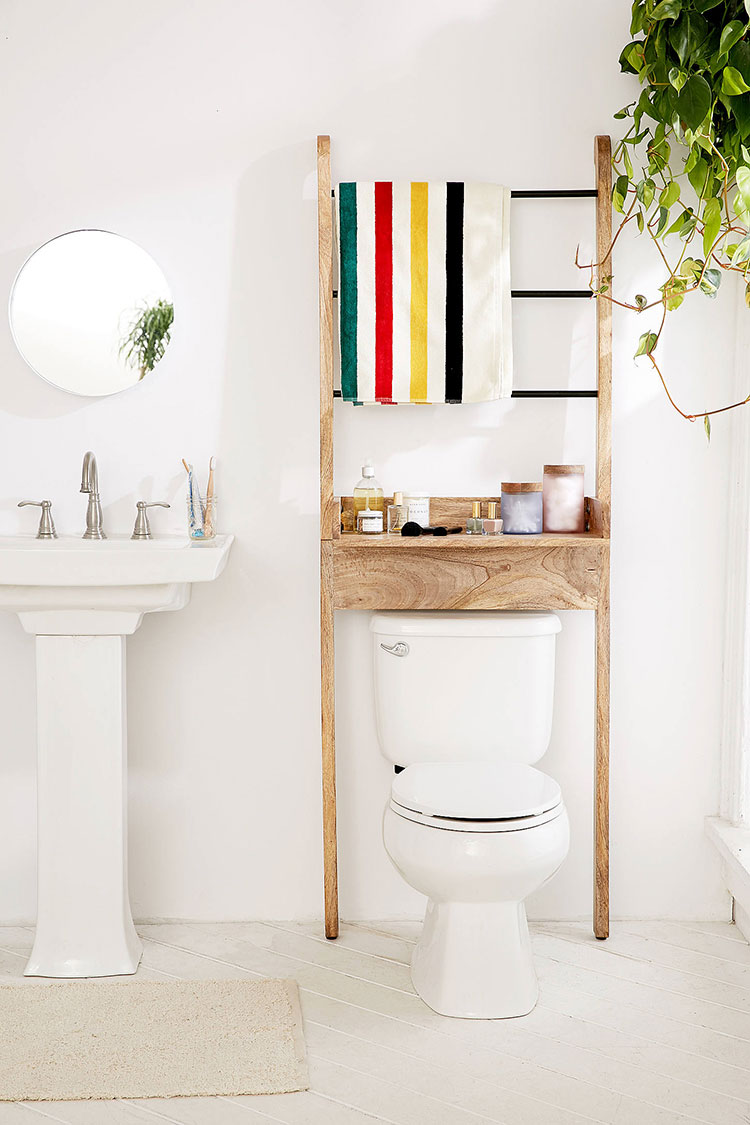 jojotastic - small bathroom storage essentials on Small Apartment Bathroom Storage Ideas  id=26804