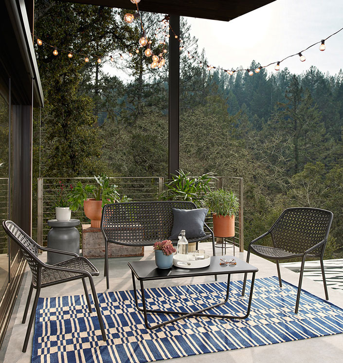 small space friendly outdoor furniture