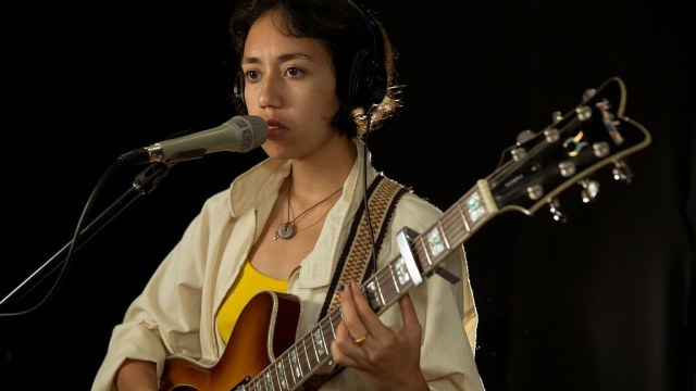 Haley Heynderickx performing in the studio at Fordham University for WFUV.