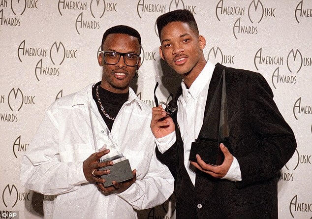 Will Smith & DJ Jazzy Jeff pose with their award at the American Music Awards in 1989. How Will Smith Became the Fresh Prince of Bel-Air