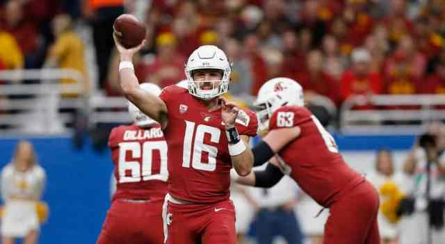 Gardner Minshew played outstanding in the Alamo Bowl against Iowa State, racking up the yardage.