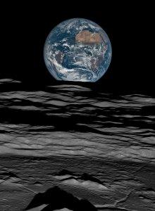 earth-over-the-lunar-horizon-lunar-reconnaissance-orbiter-12-october-2015