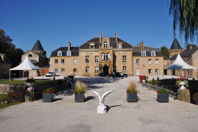 Donchery_Chateau_du_Faucon_06