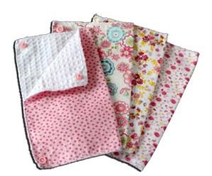 Lot essuies tout lavables, motifs fleurs roses