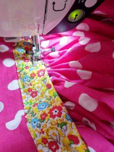 Couture de la ceinture de la robe rockabilly