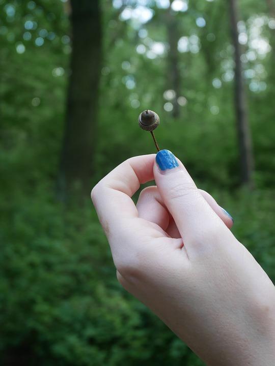 Top 4 des meilleurs vernis à ongles naturels