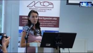 Pethő Anikó előadást tart