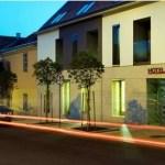Hotel Árkádia Pécs: éjszakai felvétel
