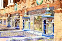 Bancs en azulejos, Place d'Espagne ©Manon Vanpeene