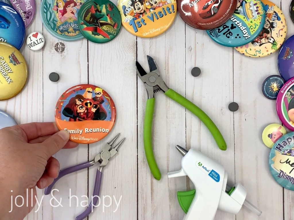 Disney Souvenir Buttons use pliers glue gun and magnets
