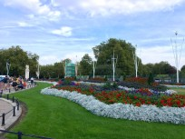 Gardens in front of Buckingham Palace (way better in real life!)