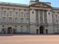 Buckingham Palace and beefeaters