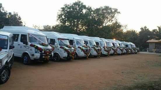 17 Seater Tempo Traveller Bangalore