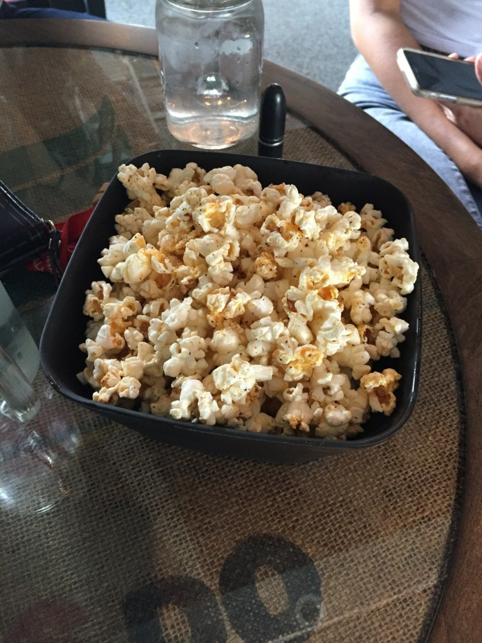Spicy popcorn with cheese