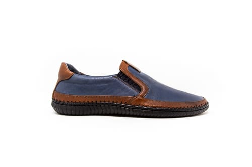 casual shoe navy with a line of brown