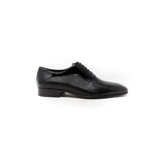 printed shiny dress blackshoes
