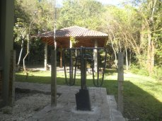 Interior do Parque Municipal Gruta da Bacaetava