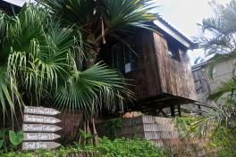 ittle cottages