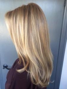 natural looking blonde highlights