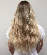 long hair blonde highlights