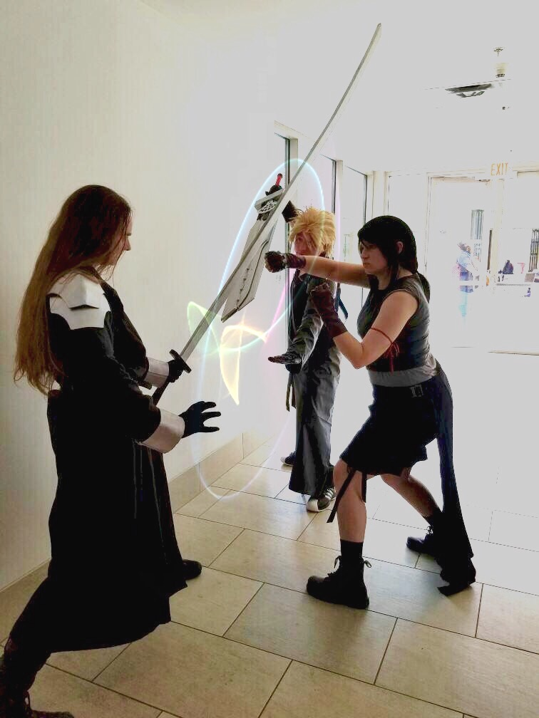 Tifa and Cloud fight Sephiroth