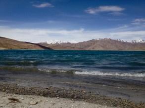 On the shore of Yashil-Kul, no dye here!