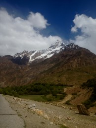 The Pamirs along this part of the M41 are huge, pointy mountains