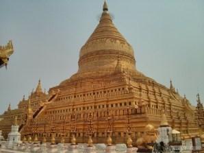 Bagan - Shwezigon pagoda 5