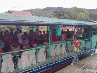 Bohol tour - Loboc river cruise boat