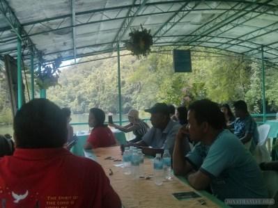 Bohol tour - Loboc river cruise crowd