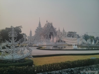 Chiang Rai - white temple 2